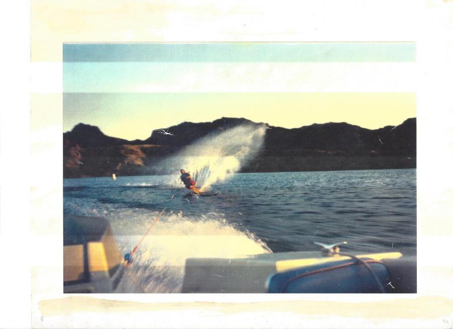 Name:  havasu skiing.jpg Views: 125 Size:  50.8 KB